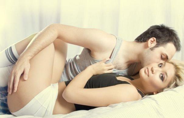 femeile mimeaza orgasmul