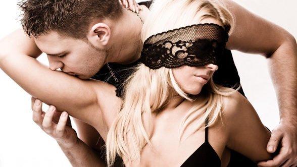 Adevăr sau provocare – jocuri erotice de încercat în pat